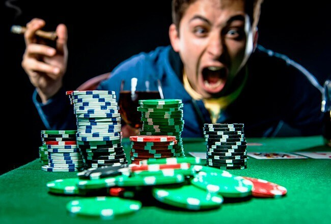 How online casino have to deal with problem gambling